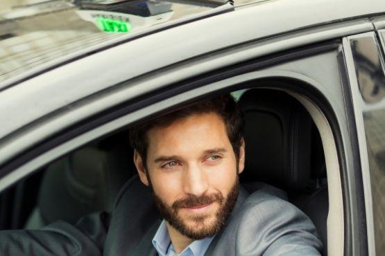 Chauffeur de taxi a Maisse